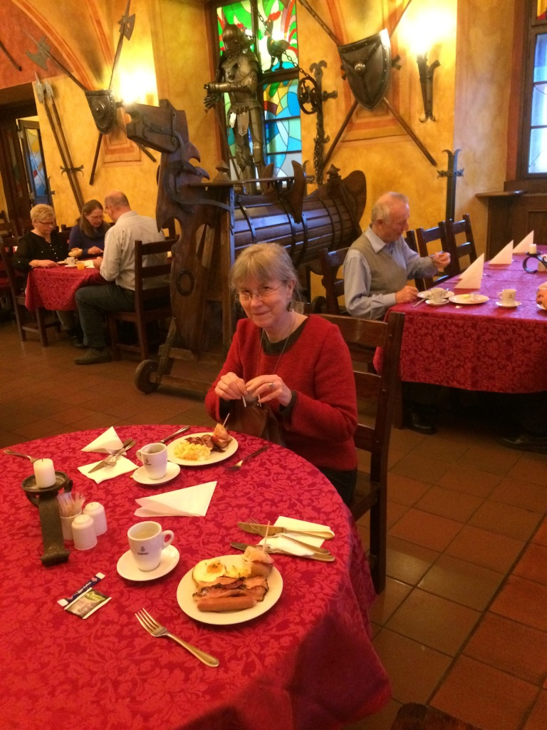 Frukostmatsalen Prag-15