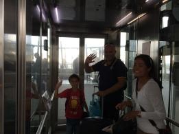 Thai 3 hej i hissen