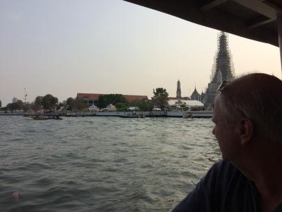 aka-over-floden-i-bangkok